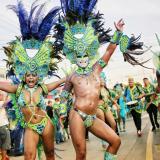 ¡Las fiestas de Cartagena cierran con coloridos desfiles!