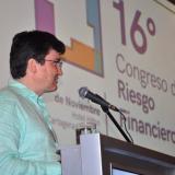 El presidente de Asobancaria, Santiago Castro, durante su conferencia.