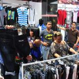 Compradores en el centro de Barranquilla.