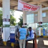 Gasolina ilegal acaba con las estaciones en La Guajira