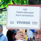 """""""Mi hija no quiere ser la próxima en morir"""": trasplantados en Venezuela"""
