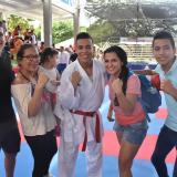 Luis Triviño festeja el oro con su familia