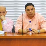 Adolfo Enrique Guevara, alias 101 (derecha) en una versión libre en Barranquilla.
