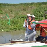 Carlos Díaz Granados, director de Corpamag y Luis Gilberto Murillo, ministro de Ambiente, dan apertura simbólica a la embocadura de Caño Clarín Viejo.
