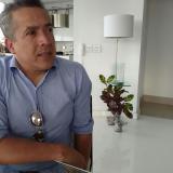 Andrés Avilés ya se recupera de las heridas en su residencia.