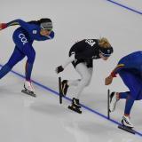 Laura Gómez (i), entrenando en Corea del Sur junto al también colombiano Pedro Causil (derecha).