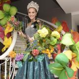 """""""Que la única batalla sea la de las flores"""", dijo la soberana en la víspera de la presentación en el cumbiódromo de la Vía 40, donde hoy se espera que más de 500 mil personas disfruten del desfile más representativo del Carnaval de Barranquilla."""