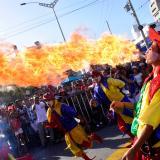 Los Diablos Arlequines de Sabanalarga hicieron parte del desfile que recorrió la calle 84.