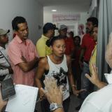 Extrabajadores del hospital de Candelaria reclaman pago de salarios