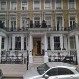 Un español muerto y otro herido tras inhalar monóxido de carbono en hotel de Londres