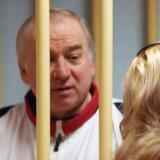 Un exespía ruso, grave por presunto envenenamiento en el Reino Unido