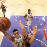Los Lakers se burlan de LeBron y Rockets logran boleto a los playoffs