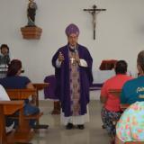 Monseñor Pablo Salas en su visita al Buen Pastor.