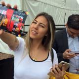 El encuentro con la Copa del Mundo: emoción, selfies y un recuerdo