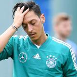 El mediocampista alemán Mesut Özil durante un entrenamiento de su selección.