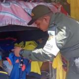 Policía fiscal decomisa camisetas de la Selección