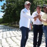 De izq. a der. Gobernadores de Atlántico y Bolívar, Eduardo Verano y Dumek Turbay, respectivamente; Jorge Luis Polo, alcalde de Santa Lucía y el gerente del Fondo Adaptación, Iván Mustafá.