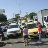 El bloqueo de los habitantes de Mesolandia generó un trancón en la carretera Oriental.