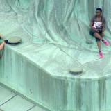 Mujer que trepó la Estatua de la Libertad es acusada de tres delitos