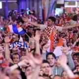 Los vecinos de la finalista Croacia, entre la admiración y la nostalgia