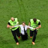 En video | El detrás de cámara de hinchas que invadieron el campo durante la final del Mundial