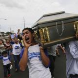 Gritos contra Ortega se escucharon en el sepelio de una víctima del domingo.