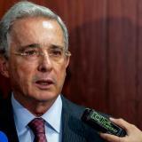 Seguiré analizando la renuncia desde lo jurídico: Uribe