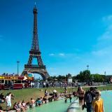 La Torre Eiffel vuelve a abrir sus puertas tras huelga