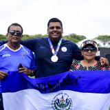 Roberto, el salvadoreño que puso a sufrir a su abuela con el oro