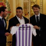 Ronaldo compra el 51% del Valladolid