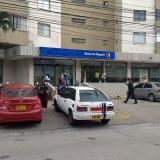 Con tapabocas, delincuentes ocultaron rostros y cometieron taquillazo en Banco de Bogotá