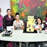 Los estudiantes durante su visita a EL HERALDO.