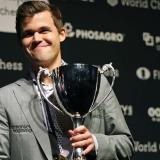 El noruego Magnus Carlsen alcanzó ayer su cuarto título Mundial en Londres.