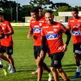 Jarlan luce sonriente en las prácticas en Brasil.