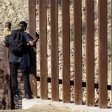 México duplicará salario mínimo en frontera con EEUU para reducir emigración