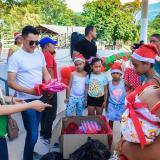 Jorge Celedón alegra la Navidad de los niños de Urumita y Villanueva