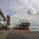 Jan de Nul dragará nuevamente el canal de acceso al Puerto local