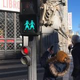 En Madrid, la inclusión llega hasta los semáforos