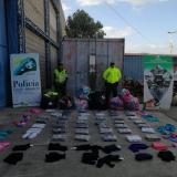 Decomisan mercancía ilegal en un reconocido centro comercial de Riohacha