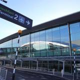 Suspenden brevemente vuelos en aeropuerto de Dublín por un dron