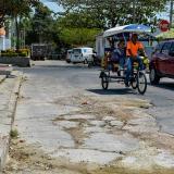 La carrera 5 entre calles 23 y 24, en el barrio Simón Bolívar, es una de las vías en mal estado.