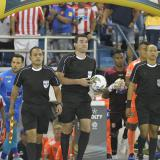 Árbitros del juego entre Junior y Envigado en el estadio Metropolitano.