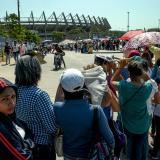 Familias en el reciente pago que se hizo en el estadio Metropolitano de Barranquilla.
