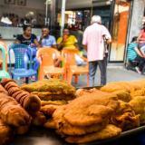 Tras caso de empanada, Corte admite demanda contra artículo que sanciona uso del espacio público