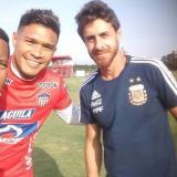 'Teo' se reencontró con su excompañero en River, Pablo Aimar, ayer en 'La Videna', sede de la Selección Perú. Aimar es DT del combinado argentino sub-17.