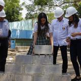 El gobernador Eduardo Verano,  el secretario de Educación, Dagoberto Barraza y  la directora del Sena, Jakeline Rojas durante el acto en Juan de Acosta.