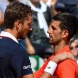 Djokovic cae, Nadal sigue de favorito