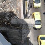 En video   Peligro en vieja construcción: cuerda sostiene viga para que no se desplome