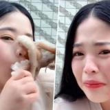 En video | Bloguera asiática intenta comerse a un pulpo vivo y el animal la atacó