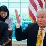 Trump con el viceprimer ministro chino, Liu He, en una reunión el 4 de abril pasado en la Oficina Oval de la Casa Blanca en Washington.